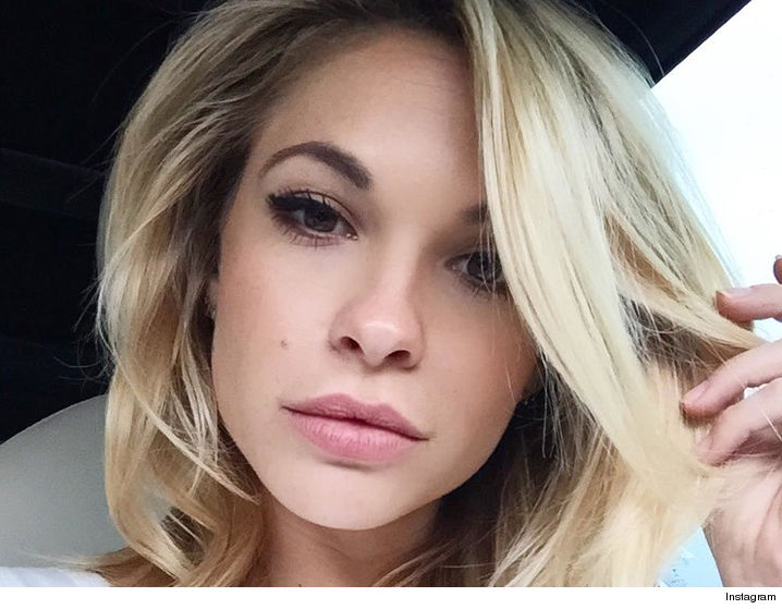 0902-dani-mathers-instagram-7